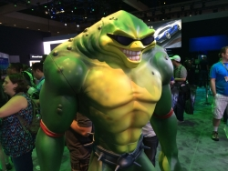 E3 2015 - Battletoad Statue